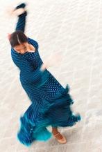 フラメンコを踊る女性の写真