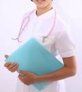 白衣を着た看護師のイメージ写真